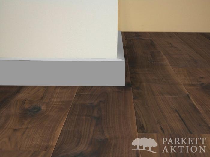 Fußbodenleiste Weiß sockelleisten modern cube weiss parkett aktion com