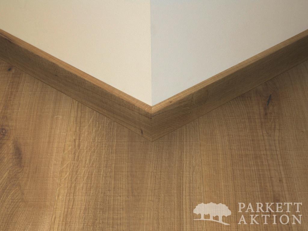 sockelleisten eiche massiv struktur natur ge lt de parkett. Black Bedroom Furniture Sets. Home Design Ideas