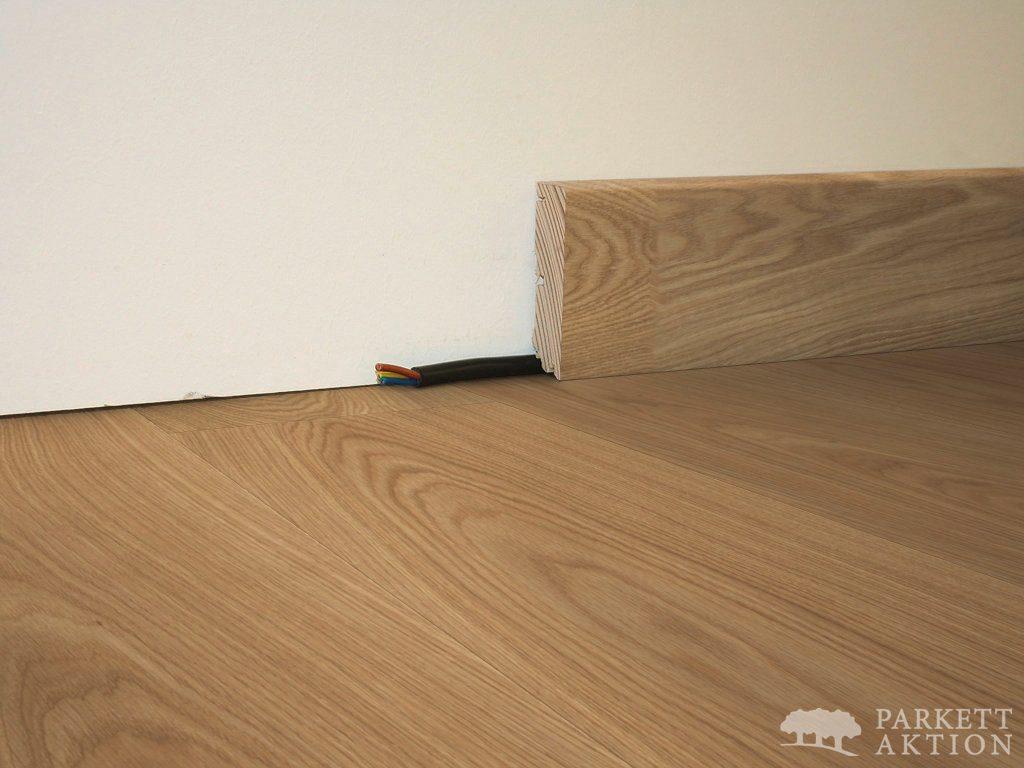 altbau fuleisten good kgm wei mm modern xmm echtholz furniert eiche weiss lackiert edle with. Black Bedroom Furniture Sets. Home Design Ideas