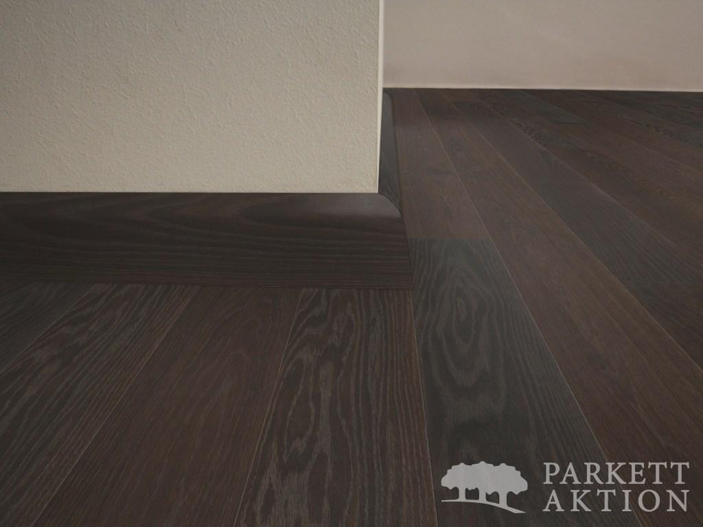 sockelleisten r uchereiche schwarz ge lt de parkett. Black Bedroom Furniture Sets. Home Design Ideas
