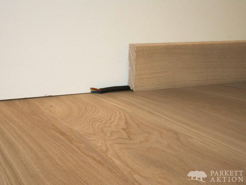sockelleisten modern cube eiche hell natur ge lt parkett. Black Bedroom Furniture Sets. Home Design Ideas
