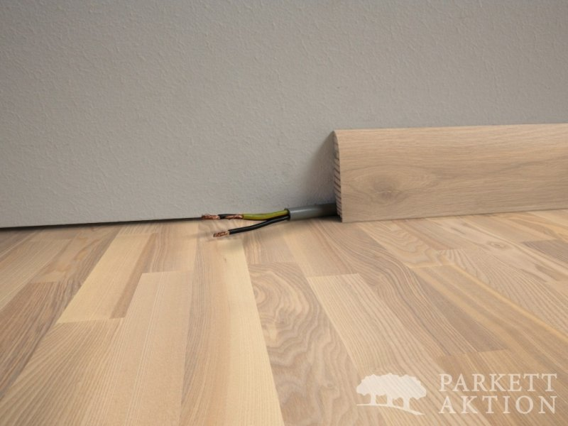 Sockelleisten Holz Weiß Lackiert sockelleisten wildesche weiss matt lackiert de parkett aktion com