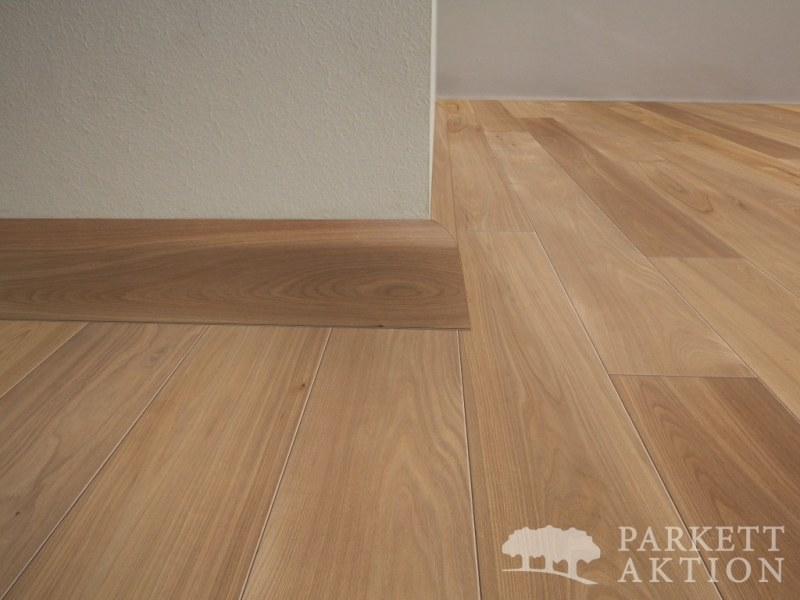 sockelleisten ulme natur matt lackiert de parkett. Black Bedroom Furniture Sets. Home Design Ideas
